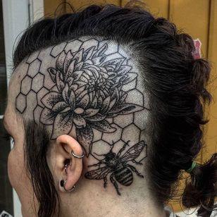 Blackwork honey bee and dahlia head tattoo by Andre Oretgo. #head #bee #honeybee #blackwork #dahlia #flower #AndreOretgo #floral #dahliaflower #btattooing