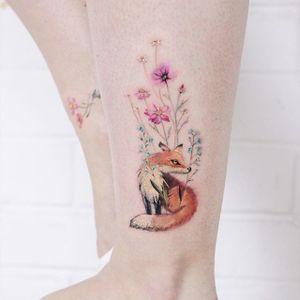 Little fox and flowers by Lena Fedchenko #LenaFedchenko #lena_fedchenko #moscow #small #little #fox #flower #flowerbylena #tattoobylena #tattoooftheday