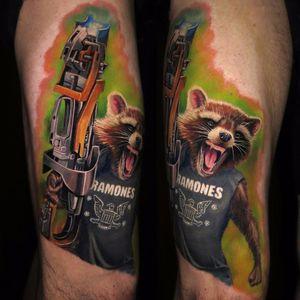 Rocket goes punk by Jamie Schene #JamieSchene #realism #realistic #hyperrealism #color #guardiansofthegalaxy #rocketraccoon #marvel #movie #raccoon #fur #gun #scifi #ramones #punk #tattoooftheday
