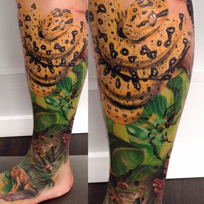 Super realistic snake by Chris Henriksen #chrishenriksen #realism #realistic #hyperrealism #color #snake #scales #jungle #spider #frog #leaves #spiderweb #nature #tattoooftheday