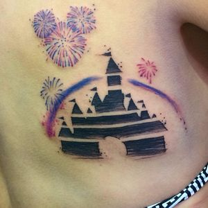 Disney! #DanielArtDesign #TatuadoresDoBrasil #TattoodoBR #aquarela #watercolor #disney @castelo #castle #fogos #fireworks #sketch