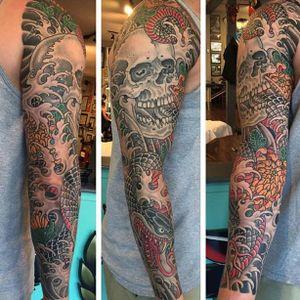Ben Siebert (IG—bensiebert) kick ass at classic Irezumi. #BenSiebert #bold #colorful #Irezumi #skull #snake #traditional