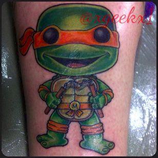 Ninja turtle Funko Pop! figure by Alex Llampallas (via IG -- xgeekx1) Alex Llampallas #michaelangelo #TeenageMutantNinjaTurtles #funko #funkotattoo #funkopop #funkopoptattoo