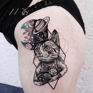 Cat atronaut tattoo by Jessica Svartvit #geometric #cat #JessicaSvartvit