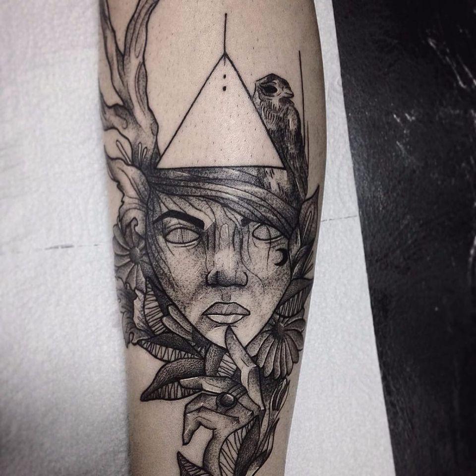 Tattoo por Wesley Maik! #WesleyMaik #Tatuadoresbrasileiros #tatuadoresdobrasil #tattoobr #tattoodobr #SãoPaulo #blackwork #woman #mulher