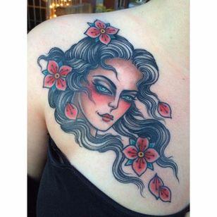 Dreamy woman by @chelsearhea #ChelseaRhea #ladyhead #traditional