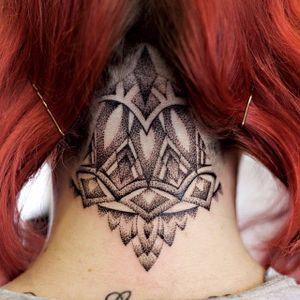 Ornamental nape tattoo by Rose Harley #geometric #dotwork #geometricdotwork #nape #napetattoo #napetattoos #ornamentaltattoo #ornamentaltattoos #pattenwroktattoos #neck #upperback #RoseHarley