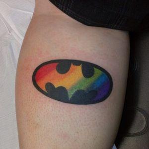 Por que não? #OrgulhoGay #GayPride #OrgulhoLGBT #ParadaGay #GayParade #preconceitoNao #amorlivre #freelove #arcoiris #rainbow #batman #dc #comic #batmansignal #superheroi #nerd #hq #superhero #batsinal