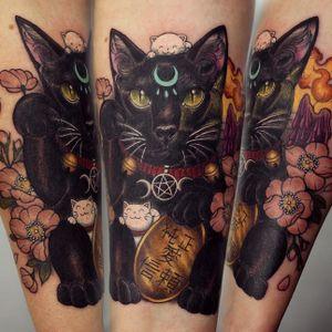 Chinese lucky cat tattoo by Georgina Liliane #GeorginaLiliane #cat #kitten #kitty #luckycat #chinese
