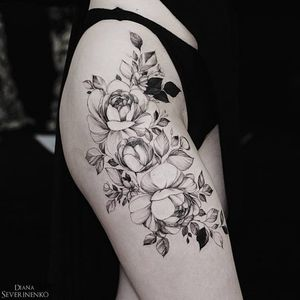 Delicate flower blackwork #DianaSeverinenko #floral #flower #blackwork #delicate