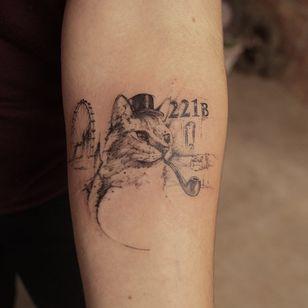 Graphic tattoo made at La Bottega dell'Arte #labottegadellarte #graphic #contemporary #cat #sherlockholmes