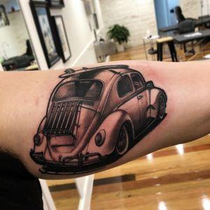 Surfin VW bug tattoo by Alex Bock #AlexBock #cartattoos #blackandgrey #realistic #realism #hyperrealism #volkswagen #beetle #bug #surfing #surfboard #vintage #beachlife #tattoooftheday