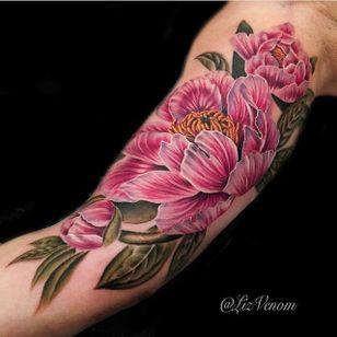 Beautiful pink flowers via @lizvenom #lizvenom #floral #botanical