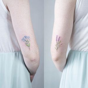 Tiny flowers by @soltattoo #tinytattoo #smalltattoo #flowers #forgetmenot #lavender #SashaMezoghlian #matchingtattoos #watercolor
