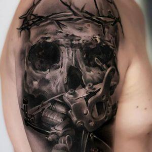 #caveira #skull #maquinadetatuar #tattoomachine #MaksimYalovik #MaksYalovik #realismo #realism #tatuadorpolones #brasil #brazil #portugues #portuguese
