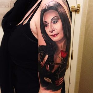 A lovely depiction of Morticia Addams by Nikko Hurtado (IG—nikkohurtado). #color #MorticiaAddams #NikkoHurtado #portraiture #realism