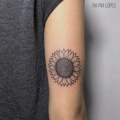 #RayraLopes #brasil #brazil #TatuadorasDoBrasil #blackwork #brazilianartist #flor #flower #sunflower #girassol #botanica #botanical #pontilhismo #dotwork