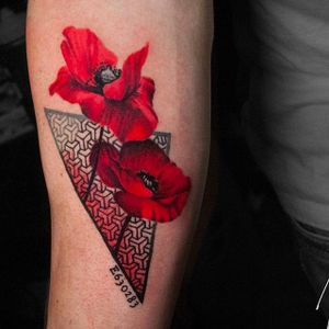 Red flowers geometric tattoo by Michael Cloutier @cloutiermichael #Michaelcloutier #blackandgrey #blackandgray #blackandred #black #red #trashpolka #realism #geometric #red #flowertattoo