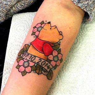'Winnie the Pooh' tattoo by Rob Beneath. #floral #winniethepooh #pooh #poohbear #nostalgia #children #tvshow #cartoon #book #RobBeneath