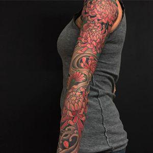 Mum sleeve by Chris Garver (via IG-chrisgarver) #chrysanthemum #flower #november #birthflower #mum #japaneseinspired #color #ChrisGarver