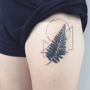 Geometric fern tattoo by Nothing Wild #LauraMartinez #nothingwild #nothingwildtattoo #nyctattoo #newyorkink #blackwork #blackworktattoo #linework #geometric #fern #ferntattoo