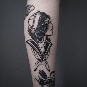 Tony Nilsson's (IG—tonybluearms) black and grey maritime lady head. #blackandgrey #ladyhead #sailor #TonyNilsson #traditional