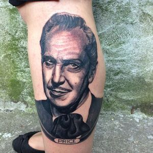 Vincent Price Tattoo by Ron Mor #VincentPrice #VincentPriceTattoos #ActorTattoos #HollywoodTattoos #ClassicActor #RonMor #actorportrait #hollywood #portrait