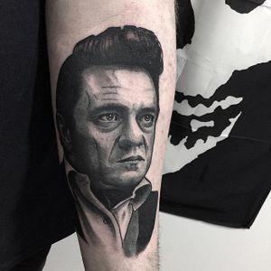 Johnny Cash Tattoo by Alex Ciliegia #johnnycash #johnnycashtattoo #popculture #popculturetattoo popculturetattoos #charactertattoos #portraittattoos #celebritytattoo #poptattoos #iconictattoos #AlexCiliegia