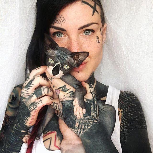 Michela Bottin on Instagram. #MichelaBottin #cat #italian #tattooartist #tattooedgirls #tattooedwomen