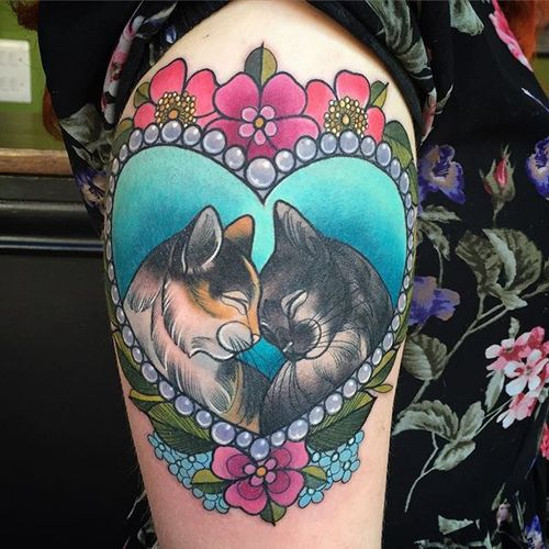 Cuddling Cats Tattoo by Charlotte Timmons @charlotte_eleanor88 #cats #neotraditional #illustration #flowers #color #charlottetimmons #charlotte_eleanor88