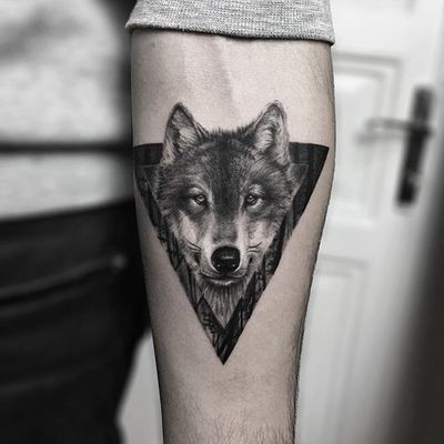 Wolf by Serkan Demirboğa (via IG-serkandemirboga) #surrealism #fineline #color #blackandgrey #SerkanDemirboga