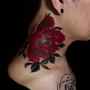 Floral neck piece by Yuuz Tattooer (via IG-yuuztattooer) #floral #flowers #color #illustrative #japaneseinspired #yuuztattooer