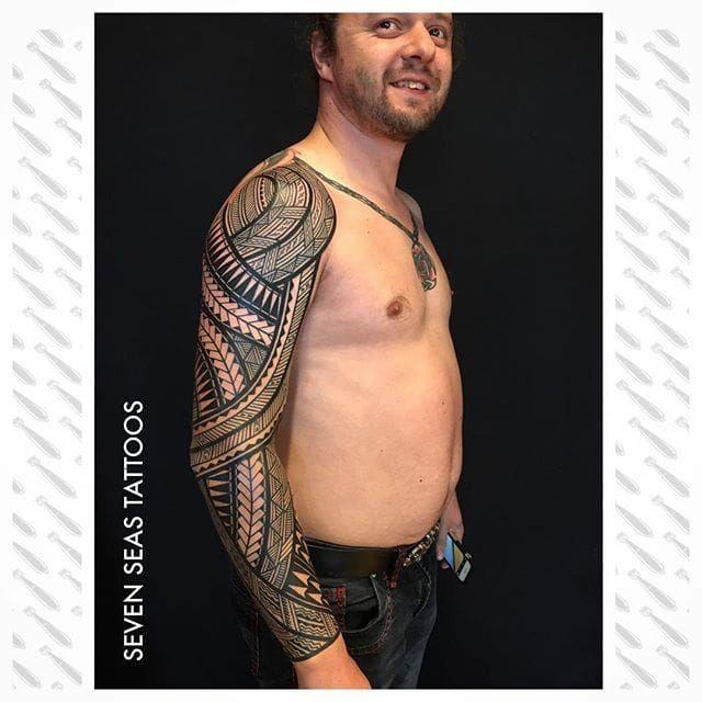 One of Jeroen Franken's (IG—jeroenfranken) amazing large-scale tribal tattoos. #blackwork #geometric #JeroenFranken #Polynesian #traditional #tribal