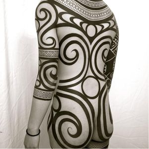 Ornamental blackwork bodysuit #bodysuit #TakuOshima #OrnamentalBlackworktattoos