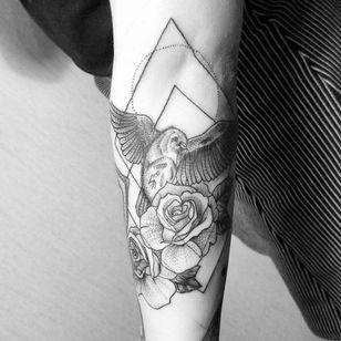 Geometry inspired bird and flower tattoo #JuliaMikhaylova #bird #geometric #fineline #roses #flower