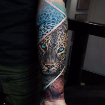 Leopard by Sandra Daukshta #SandraDaukshta #color #realism #realistic #hyperrealism #leopard #leopardprint #nature #junglecat #abstract #cat #tattoooftheday