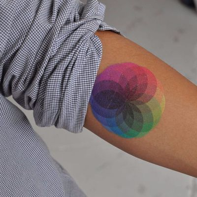 Todas as cores se fundindo #OrgulhoGay #GayPride #OrgulhoLGBT #ParadaGay #GayParade #preconceitoNao #amorlivre #freelove #arcoiris #rainbow #colors #cores