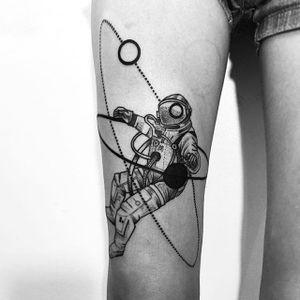 Astronaut tattoo by Daniel Matsumoto @Daaamn_ #DanielMatsumoto #Black #Blackwork #Linework #Linear #Geometric #Nature #Japan #Astronaut