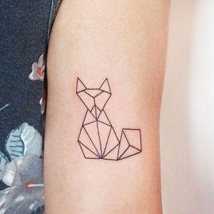 Geometric linework fox tattoo by Jessica Channer. #linework #minimalist #fox #geometric #JessicaChanner