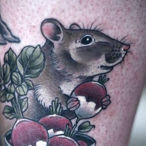 Natural rodent chowing down on a radish by Kirsten Holliday. Via Instagram. #KirstenHolliday #Nature #NatureTattoo #rat #mouse #rodent #radish