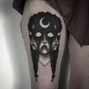 Laura Yahna Blackwork. #blackwork #spooky #dark #melancholy #creepy #faces #girl #blckwrk #btattoing
