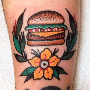 Tattoo feita no Hand Of Glory! #Hamburguer #burger #burgerlove #hamburger #tradicional #traditional
