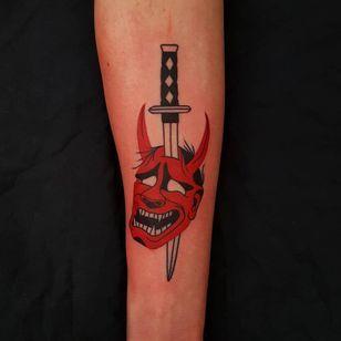 Hannya and sword tattoo by Uve #Uve #demontattoos #color #redink #graphic #hannya #hannyamask #horns #samuraisword #sword #knife #demon #yokai #popart