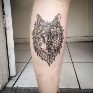 #lobo #wolf #AkauãPasqual #simetria #blackwork #fineline #pontilhismo #dotwork #brasil