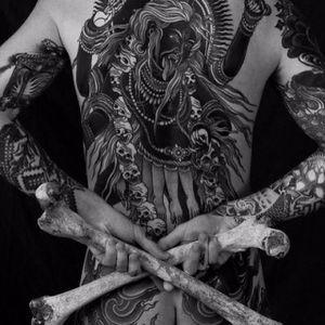 Blackwork Kali Tattoo by Alexander Grim #BlackworkKali #Kali #KaliTattoo #BlackworkTattoos #Hindu #HinduTattoos #AlexanderGrim