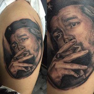 Che Guevara tattoo with a cigar by Nicolas Malagon Casas #CheGuevara #Anarchist #portrait #portraittattoo #historic #realism #NicholasMalagon
