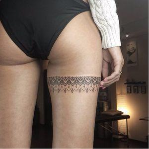 Sensual garter tattoo by Sergey Anuchin #SergeyAnuchin #linework #geometric #ornamental #mehndi #garter