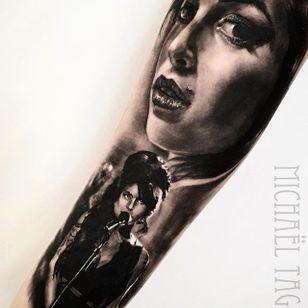 Amy Winehouse. (via IG - michaeltaguet) #realism #celebrity #portrait #michaeltaguet #amywinehouse