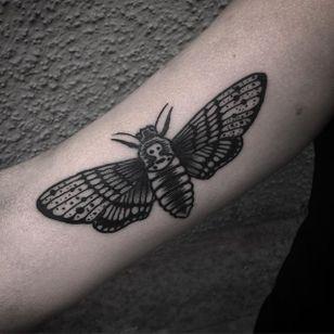 Moth Tattoo by Jack Ankersen #Blackwork #TaditionalBlackwork #BlackTattoos #Illustrative #BoldBlackwork #JackAnkersen #btattooing #blckwrk #moth
