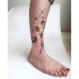 Flower tattoo #AmandaWachob #flowertattoo #flower #botanical